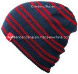 Логос Camouglage продукции OEM напечатал связанную акриловую подгонянную крышку спортов Beanie