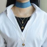 금 판상 결정 악의에 찬 눈초리 심혼 펜던트 목걸이를 가진 파란 Handmade 청바지 숨막히게 하는 것