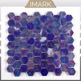 Le bleu de cobalt irisé hexagone pour la piscine en mosaïque de verre