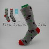 Qualitäts-kundenspezifisches Weihnachtsknie-hohe Baumwollkarikatur-Kätzchen-Socken