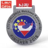 Médaille faite sur commande en métal de souvenir de prix usine avec le divers logo gravé en relief de bâti fait sur commande mou d'émail