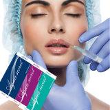 Enchimento de Derml da face da injeção do ácido hialurónico