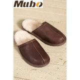 Los deslizadores de interior del invierno de los hombres calientes del cuero genuino se dirigen los zapatos