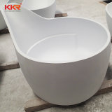 大人のための二人用の白い固体表面の円形の浴槽