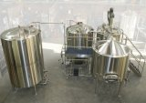 La linea di produzione della birra ha alto livello di automazione