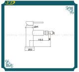 Robinet simple en laiton sanitaire de bassin de salle de bains de trou