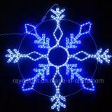 白いLEDのクリスマスの屋外の装飾の雪片のモチーフライト