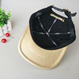 El logotipo de metal personalizados Ocio Gorra de cuero negro Bill plana sombrero Snapback