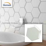 L'esagono Backsplash copre di tegoli le mattonelle di ceramica della parete del mosaico delle pareti della stanza da bagno