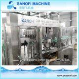自動Non-Carbonated水差しの満ちるパッキング機械
