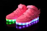 Lo svago leggero morbido di Hip-Hop mette in mostra i capretti respirabili dei pattini del LED con i multi formati