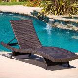 옥상 발코니 옥외 정원 가구 등나무는 수영장 Sunbed 로비 속이는 침대를 착석시킨다