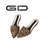 Poussoir aigu plat élégant de léopard de dames de Gdshoe