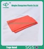 El ejercicio de resistencia de estiramiento de la banda de la resistencia de la banda de las bandas planas