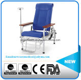 病院の注入の椅子