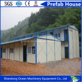 Casa prefabricada del edificio modular del diseño moderno de la protección del medio ambiente de la estructura de acero ligera para la vida temporal en el emplazamiento de la obra