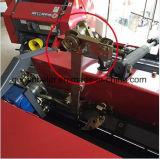 Rond agricole emballant la petite presse de foin à vendre