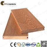 Decking plástico de madeira impermeável da doca