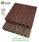 Grão de madeira Decking composto plástico de madeira gravado do revestimento ao ar livre de WPC