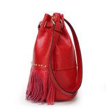 De Emmer van de Dames van de Zakken van de Schouder van de Vrouwen van het Leer van de manier Pu doet de Handtassen van de Leeswijzer in zakken