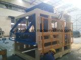 構築機械装置(QT12-15D)の機械を作る具体的な空のペーバーのブロック