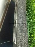 Plantas decorativas artificiales de la hierba de la pared del uso al aire libre