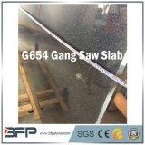 G654 de la gran losa de granito gris oscuro con superficie de corte de sierra