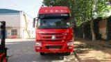 ケニヤのSinotruk HOWO Zz4257V3247n1bのトラクターヘッドトラックかトラクター