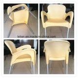 Lola im Freien stapelnder Arm-Stuhl in der Sahne (LL-0050)