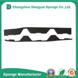 Серый Infill стрехи обнажает закрытие пены для Corrugated толя металла