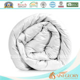 Comforter branco da pena do ganso do cobertor econômico da pena