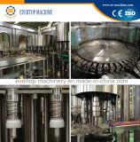 Agua de botella que hace la máquina