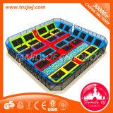Цветастый Trampoline играя парк Trampoline с сетью