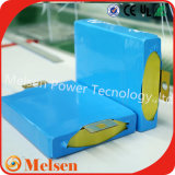El plástico azul envolvió el paquete 100ah/200ah de la batería de coche del litio