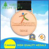 Médaille de sport en métal de vente en gros de fournisseur de la Chine avec la bande de lanière