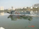 Barco de corte de malezas acuáticas