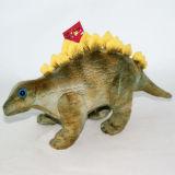 詰められた恐竜のおもちゃ