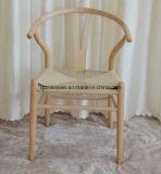 簡単な様式(M-X3114)の椅子を食事する純木