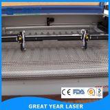 Pistas dobles Auto-Que introducen la cortadora del laser para la tela