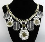 La primavera de la moda de diamantes de cristal Colgante Collar chapado en oro amarillo de las cadenas con aleación de zinc