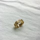 真鍮の銅を持つ女性のための標準的なシンプルな設計のジルコンの石の金カラーリング