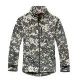 高品質の戦術的な防水コートは軍のジャケットを遊ばす