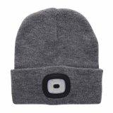 Venta al por mayor recargable de la gorrita tejida del USB LED del sombrero más nuevo