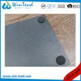 Visualización negra de la bandeja de la pizarra con la maneta del acero inoxidable