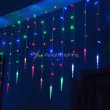 屋外か屋内装飾のクリスマスLED多彩なストリングつららライト
