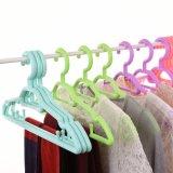 Enduire vêtements lourds en plastique durable pour les grossistes de crochet de suspension