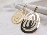 光沢があるきらめきの実質の金張りのホックの真鍮のローズの光っているイヤリング