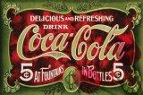 Getränke, die Wand-hängendes Metallzeichen bekanntmachen