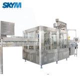 기계를 만드는 직업적인 제조 공급 병에 넣은 물