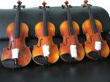 На заводе глянцевое покрытие высокого качества 4/4 скрипки
